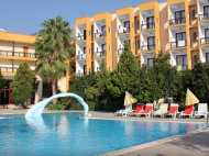 Club Hotel Mira (ex. Queen Mary; Larissa Club), 3*