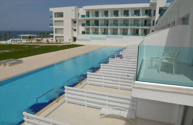 фото отеля King Evelthon Beach Hotel & Resort изображение №61