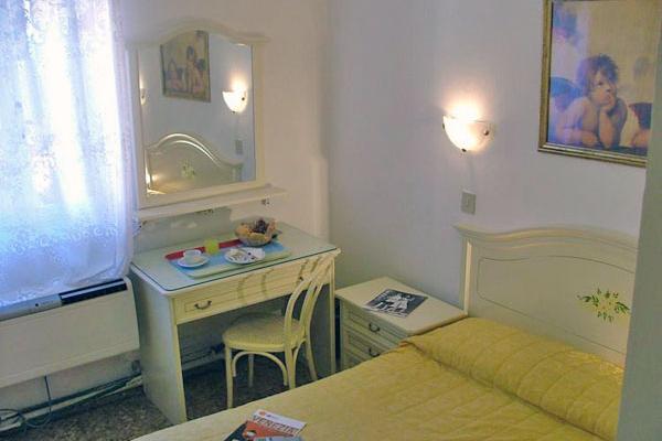 фотографии отеля Hotel Airone изображение №15