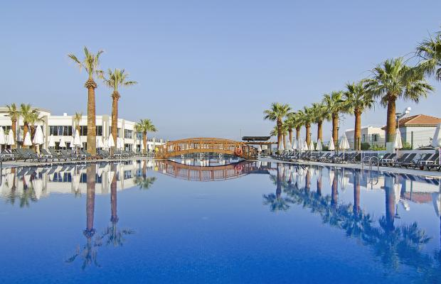фото отеля Palm Wings Kusadasi Beach Resort изображение №1