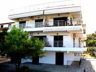 Salonikiou Beach Deluxe Apartments, Apts