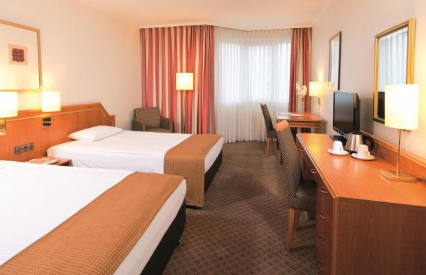 фото Leonardo Hotel Dusseldorf City Center (ex. Holiday Inn Dusseldorf) изображение №10