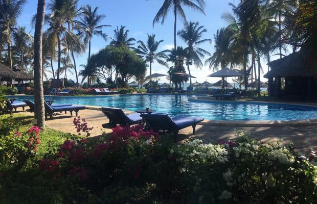 фото Breezes Beach Club and Spa изображение №2