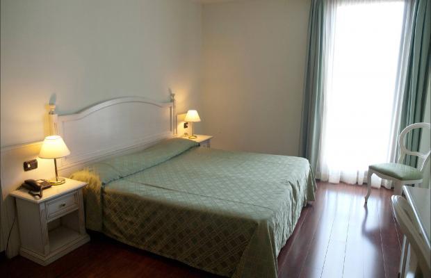 фотографии International Hotel изображение №28
