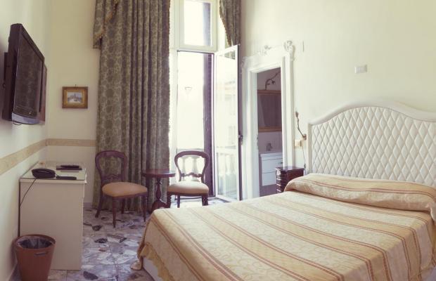 фотографии отеля B&B Suite Galleria Umberto изображение №11