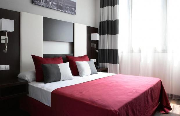 фотографии отеля Villa Olimpic@ Suites изображение №27