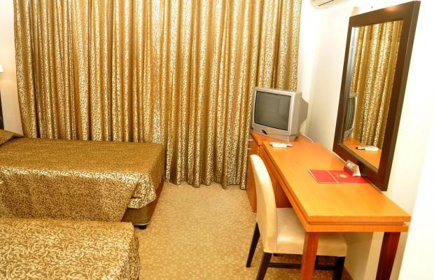 фото Ceres Hotel изображение №2