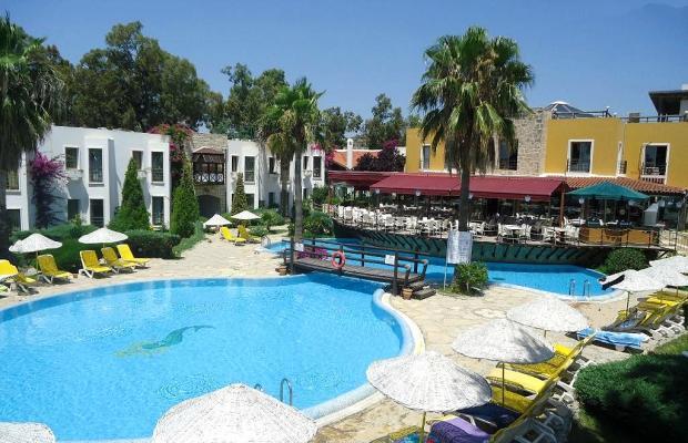 фото отеля Onderhan Beach Club изображение №1