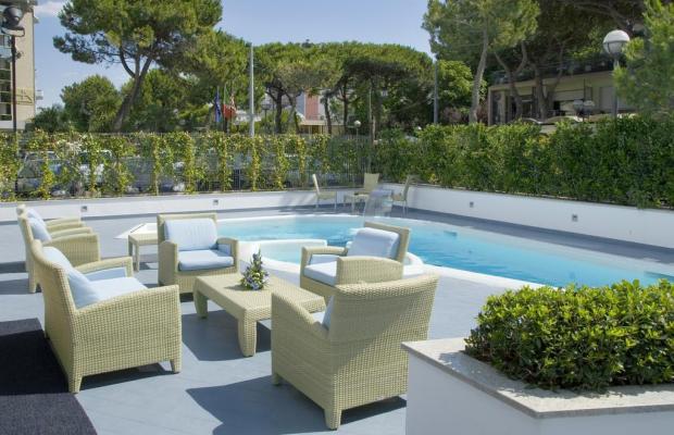 фото отеля Mercure Rimini Lungomare изображение №1