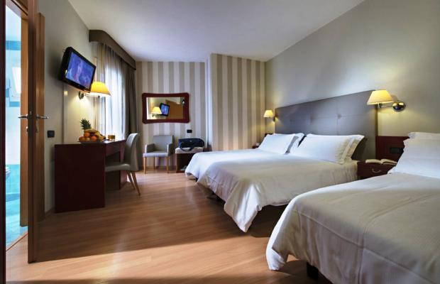 фото отеля Orient & Pacific изображение №17