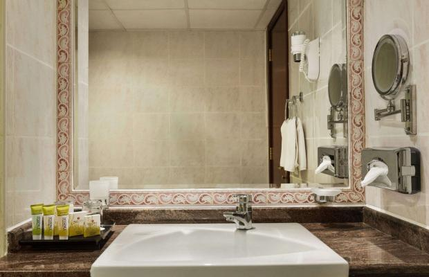 фото отеля Ramada Beach Hotel (ex. Landmark Suites Ajman; Coral Suites) изображение №17