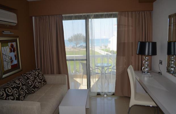 фотографии Kamari Beach изображение №20