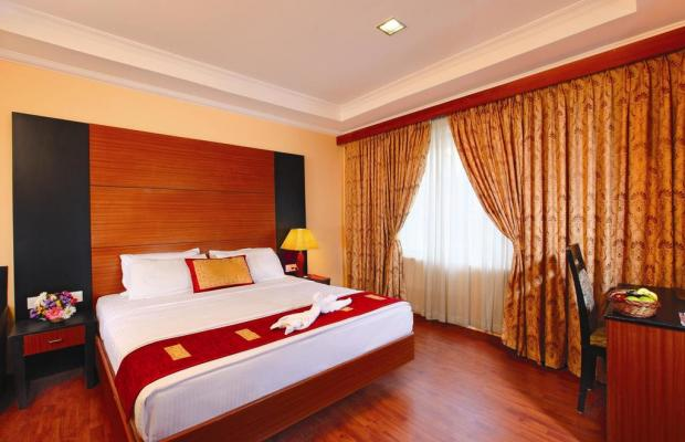 фото Emarald Hotel Cochin (ex. Pride Biznotel Emarald) изображение №22