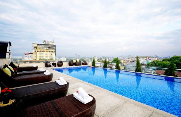 фото отеля La Belle Vie изображение №1