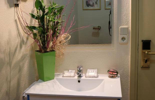 фотографии отеля Hostal Hispano-Argentino изображение №7