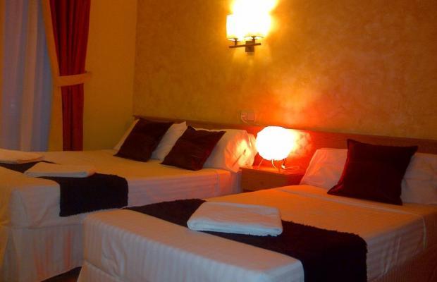 фотографии отеля Hostal Oporto изображение №3