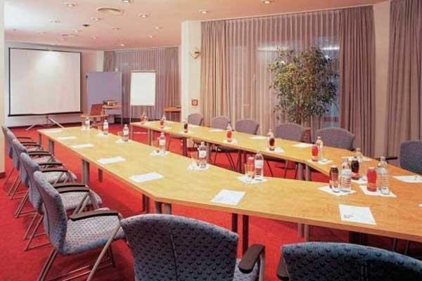 фотографии Hotel Corvinus изображение №4