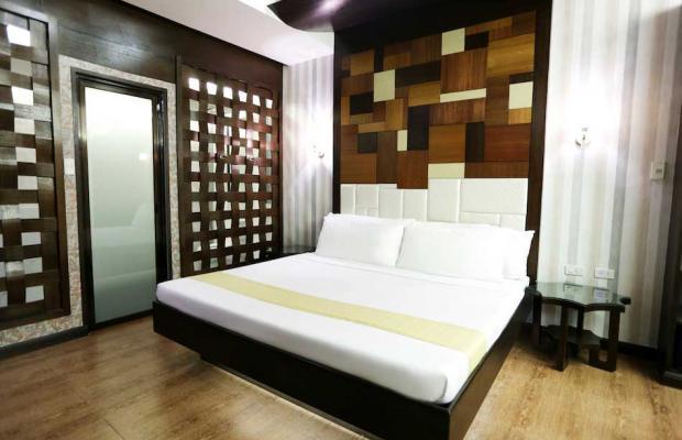 фото отеля Victoria Court Cuneta изображение №17