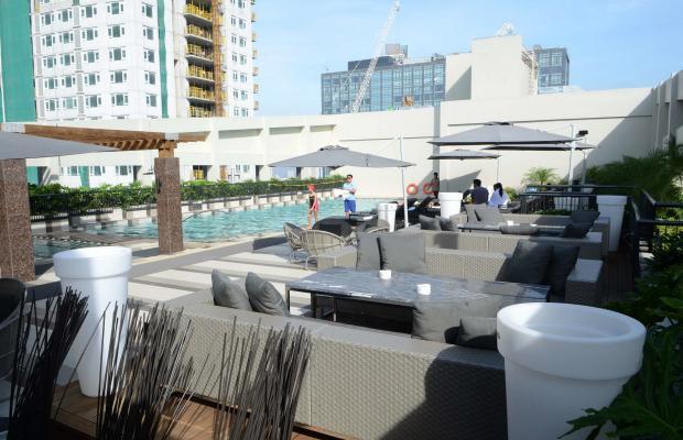 фото Holiday Inn & Suites Makati изображение №2