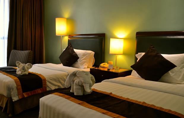 фото отеля Makati Palace изображение №9
